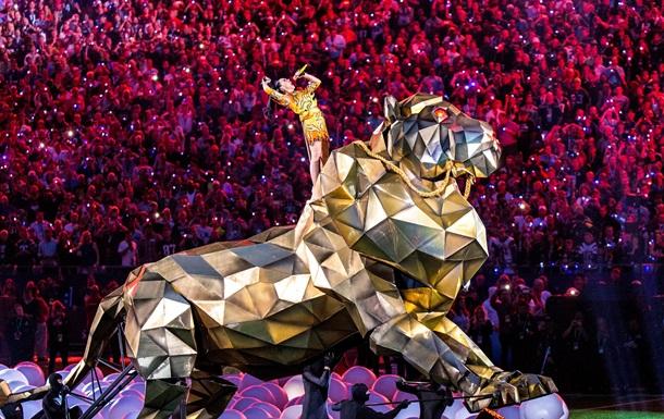 Кэти Перри устроила экстравагантное шоу на Super Bowl 2015