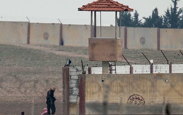 В Индии более 90 подростков сбежали из тюрьмы с помощью простыней