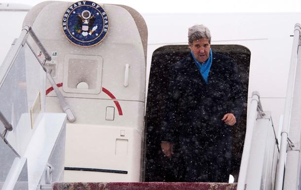 Вместо оружия Керри пообещает Украине $16 миллионов – Reuters