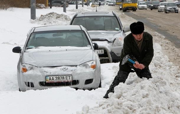 В Киеве оштрафовали 100 предприятий за плохую уборку снега