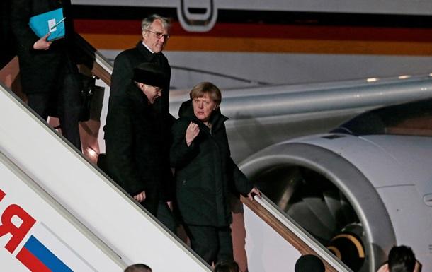 Меркель і Олланд прибули до Москви