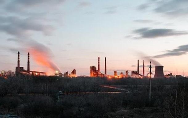 Холдинг Ахметова останавливает два завода из-за боев в Донбассе