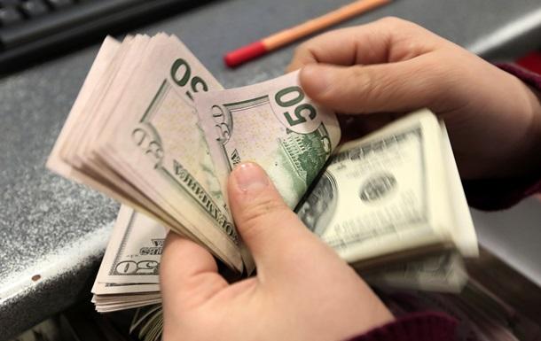 Курс доллара на межбанке не опускается