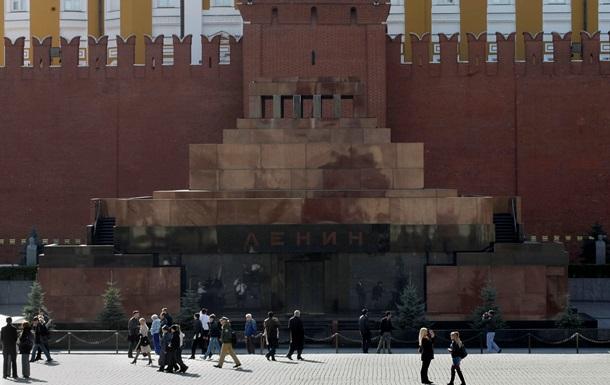 Мавзолей Леніна закрили на два місяці