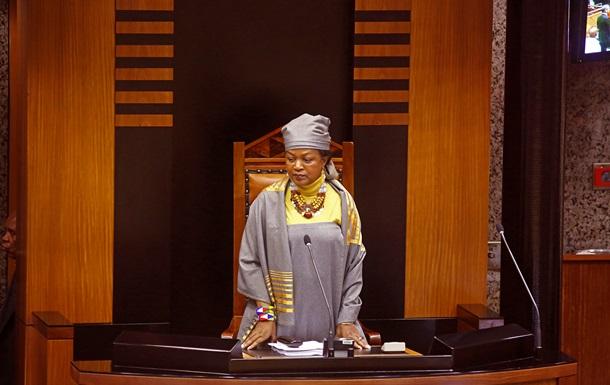 Спікер парламенту ПАР назвала опозиціонера  тарганом