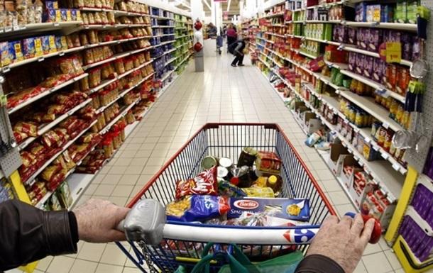 Сливая гривну. Украинцы скупают продукты, лекарства и гаджеты