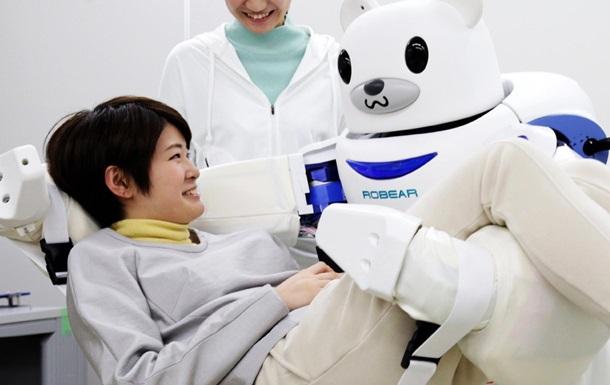 Робот-ведмідь виконує роль медсестри