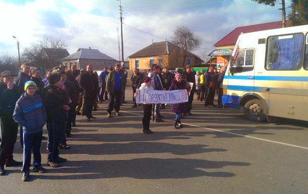 На Чернігівщині перекрили трасу проти  свавілля міліції