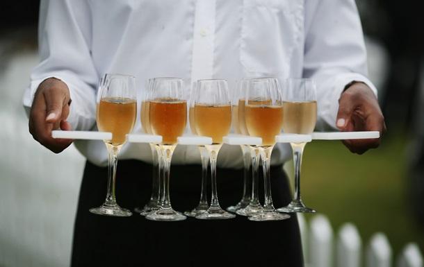 Ученые рассказали, сколько алкоголя нужно выпить, чтобы понравиться