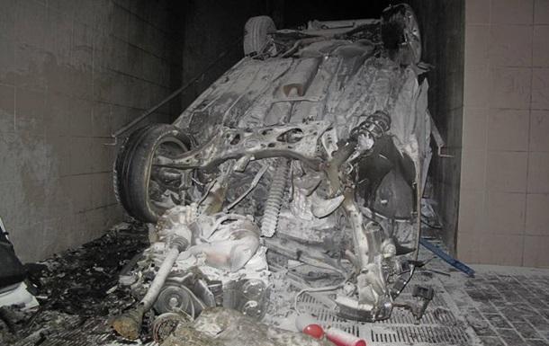 У Києві автомобіль влетів у підземний перехід