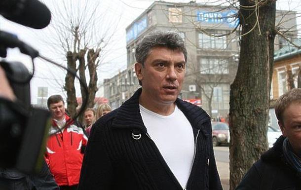 Чтобы избежать гибели, Немцову нужно было…