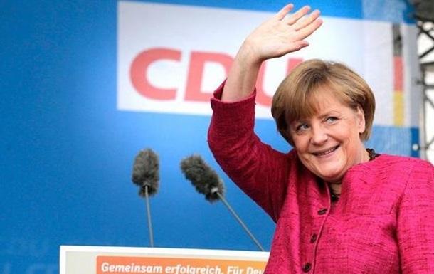 Меркель летит в Японию обсудить кризис в Украине
