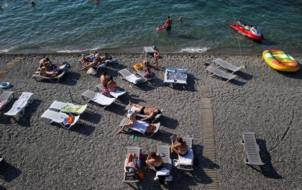 У Криму хочуть зробити вхід на пляжі за перепустками