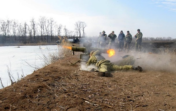 Львовские десантники провели учебные стрельбища