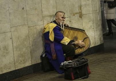 Украинцев подводят к голодной черте