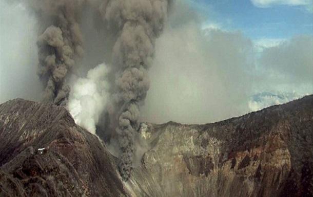 В Коста-Рике закрыли главный аэропорт из-за вулкана