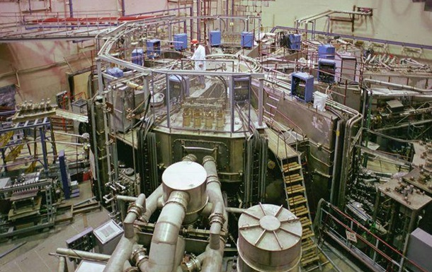 Молдавские рабочие сняли пять тонн меди с ядерного реактора в Москве