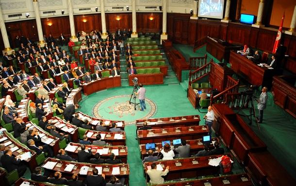 В ходе атаки на парламент Туниса погибли восемь туристов