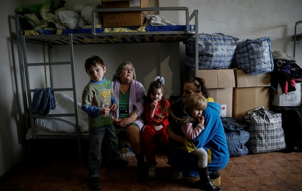 Кабмин повторно выделит помощь переселенцам