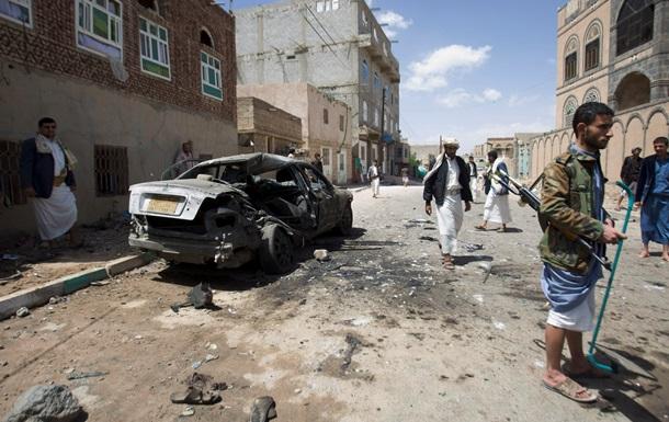 Жертвами взрывов в мечетях в столице Йемена стали 90 человек