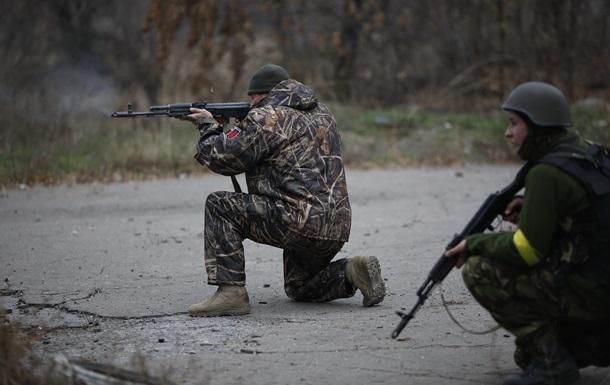 Перемирие на Донбассе: постоянная стрельба под Песками - репортаж