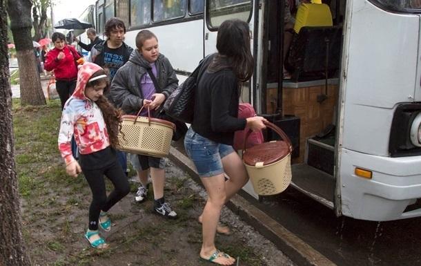 В Украине пересчитали переселенцев из зоны АТО и Крыма