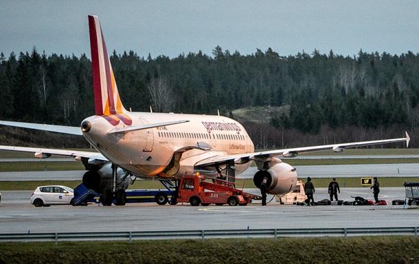 Авіакатастрофа у Франції: Олланд повідомив, що вцілілих немає