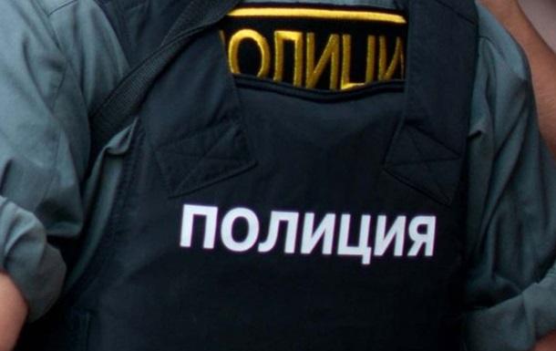 У Росії поліція побила чоловіка за гарний настрій