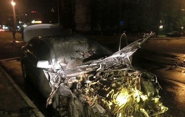 В.о. гендиректора Укрзалізниці повідомив про підпал його машини