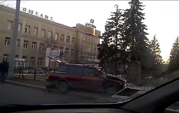 В Донецке джип сепаратистов врезался в  Жигули , есть погибшие – СМИ