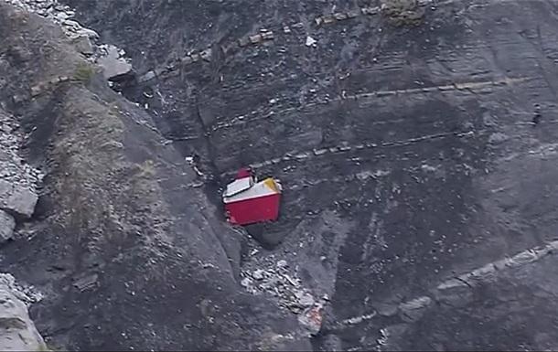 МВД Франции:  Черный ящик  самолета А-320 поврежден