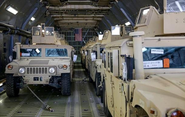 Украина получила первую партию американских бронеавтомобилей Humvee