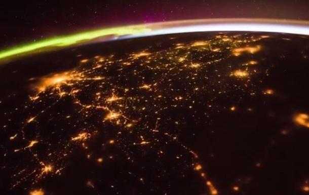 МКС показала рассвет над Землей с орбиты