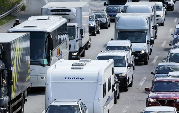 Парламент сделал платным проезд для легковых автомобилей в Германии