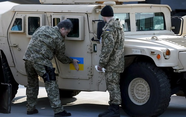 Поставляемую из США бронетехнику оснащают украинским оружием