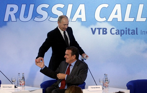 Шредер: У Росії нема таких божевільних, щоб посягнути на Польщу чи Балтію