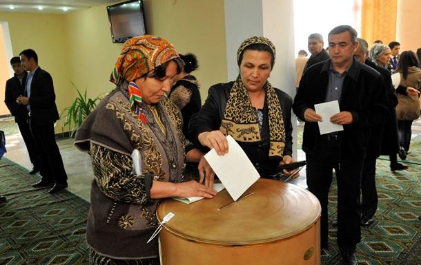 На выборах президента Узбекистана завершилось голосование