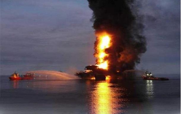 Біля берегів Мексики вибухнула нафтова платформа