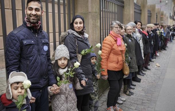 Корреспондент: Стоять и бояться. Конспирологи пугают мировым джихадом