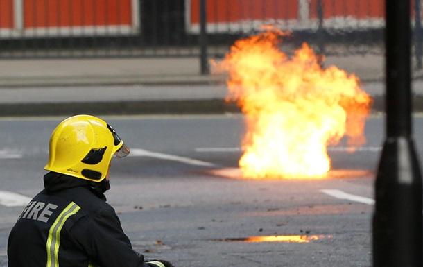В центре Лондона второй день продолжается пожар