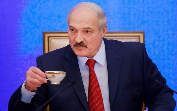 Лукашенко обязал  тунеядцев  два раза в год платить сбор