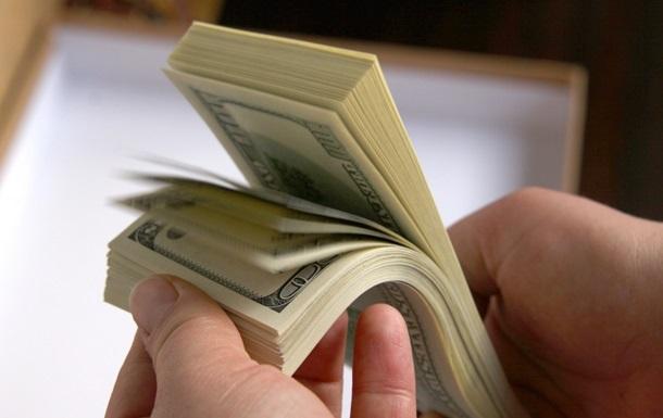 Доллар подешевел на межбанке 3 апреля