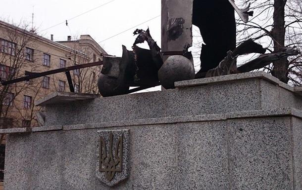 Взрыв у стелы с флагом Украины в Харькове квалифицировали как теракт
