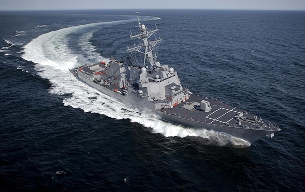 Ракетный эсминец США направляется к берегам Украины
