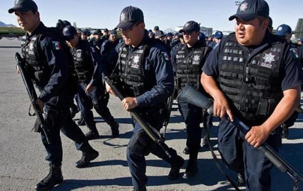 Мексика: 15 полицейских погибли при нападении наркомафии