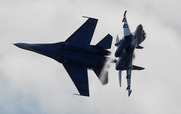 Російський винищувач перехопив американський літак-розвідник