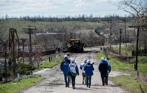 На окраинах Донецка бои с участием тяжелой артиллерии