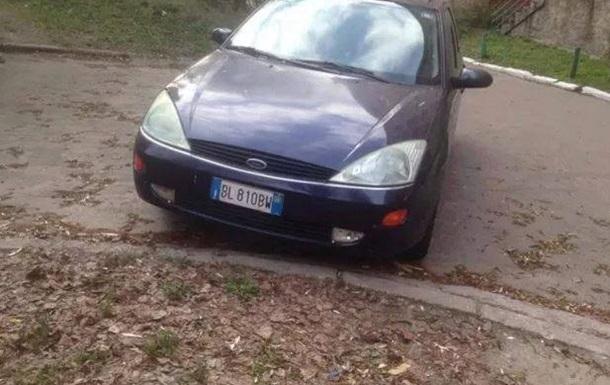 Возле общежития КНЭУ обнаружено авто, из которого стреляли в Бузину
