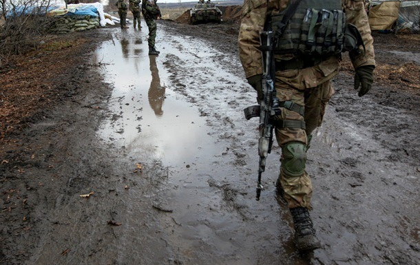 Доба в АТО: військові відзначають зменшення обстрілів