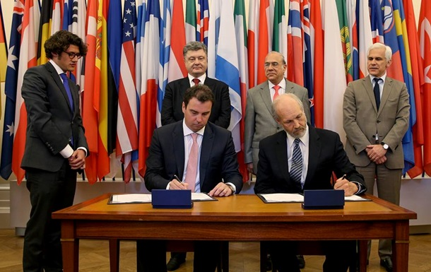 Україна підписала договір із  клубом багатих країн